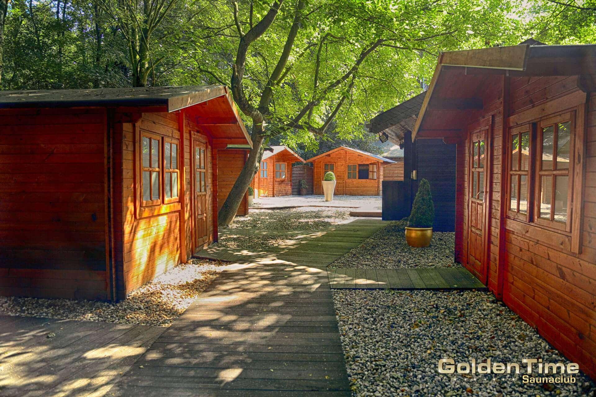 01-huetten-pic-04-goldentime-saunaclub.jpg