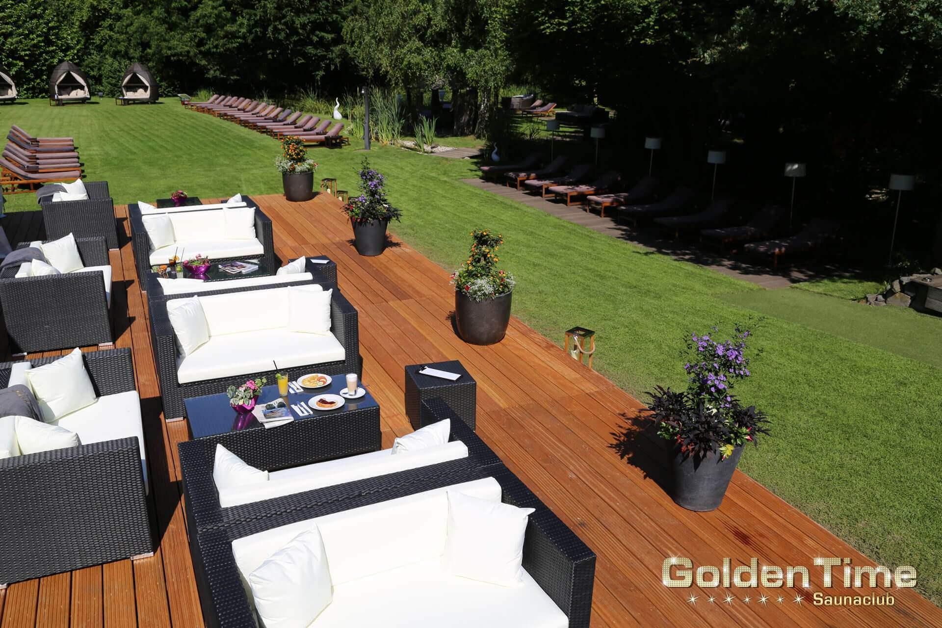01-terrasse-pic-06-goldentime-saunaclub.jpg