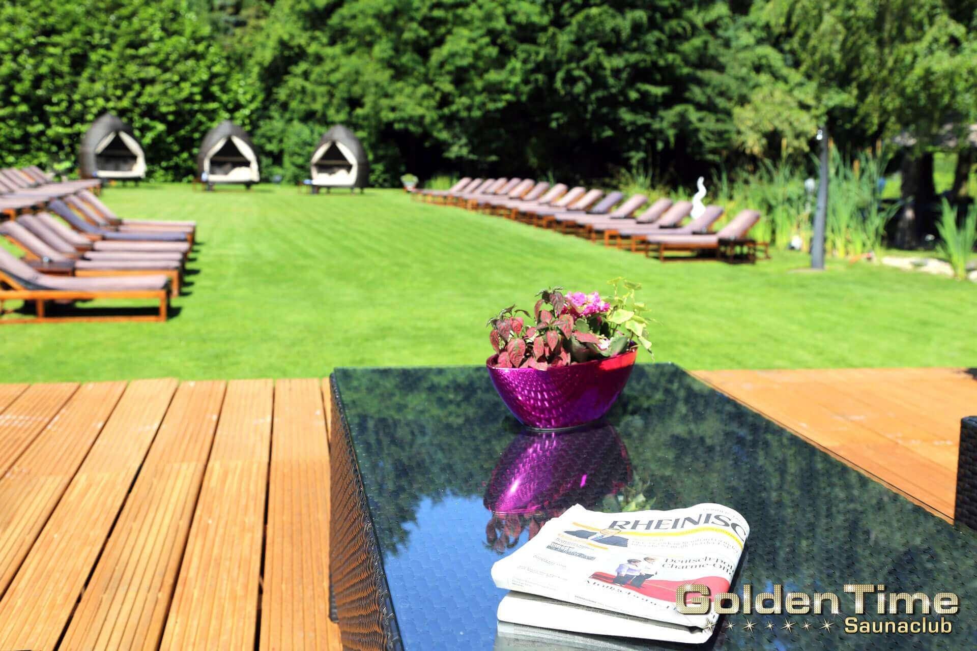 01-terrasse-pic-09-goldentime-saunaclub.jpg