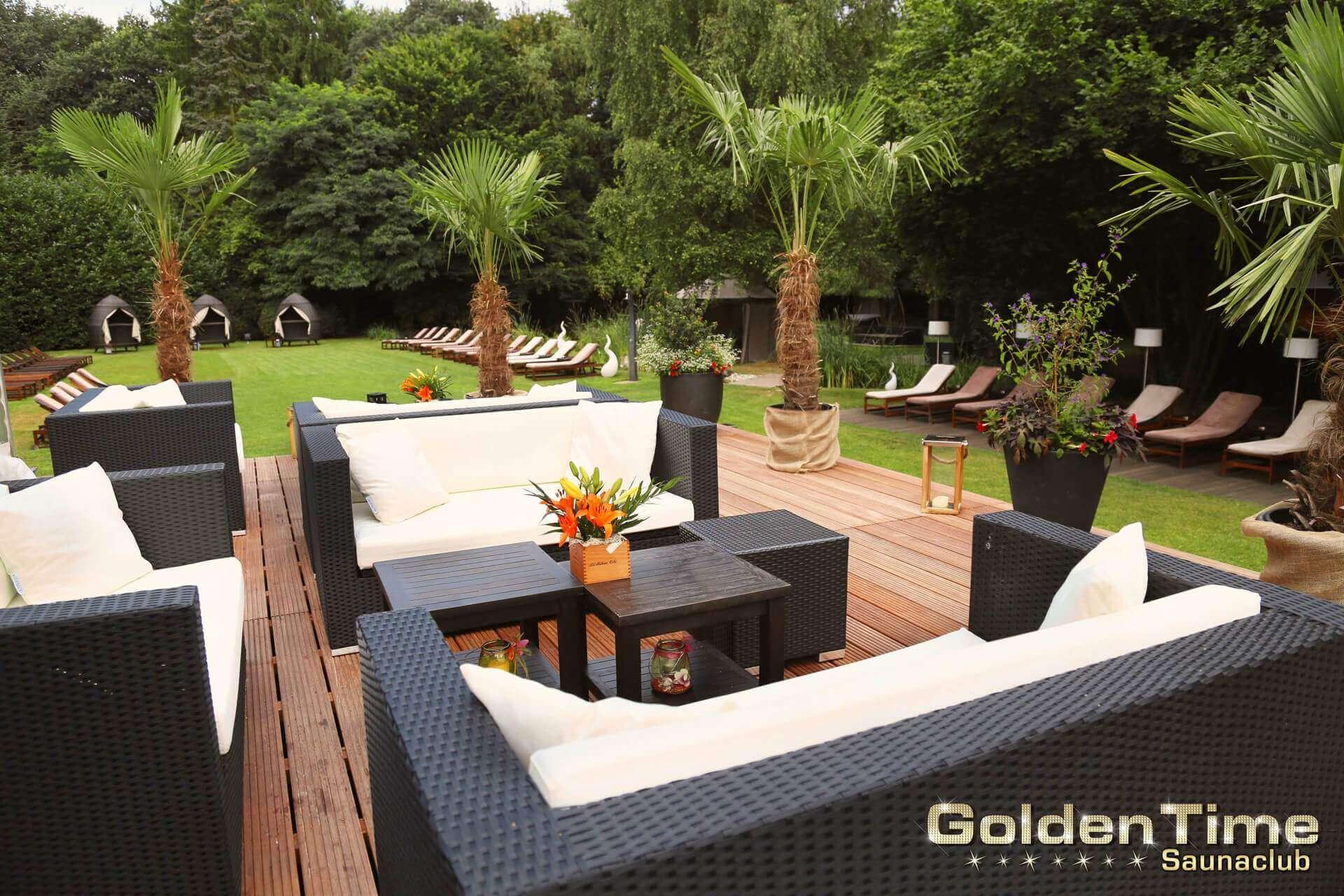 01-terrasse-wellnessbereich-pic-02-goldentime.jpg