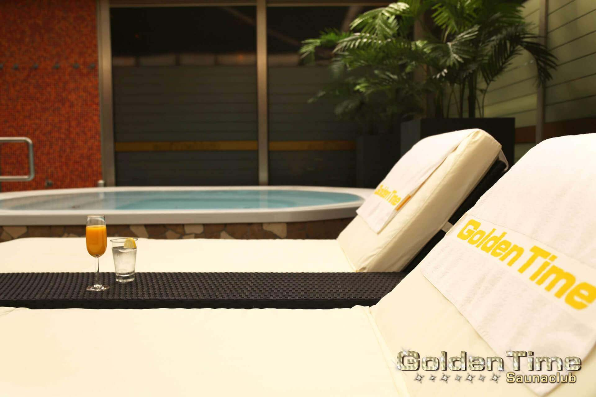 01-terrasse-wellnessbereich-pic-07-goldentime.jpg