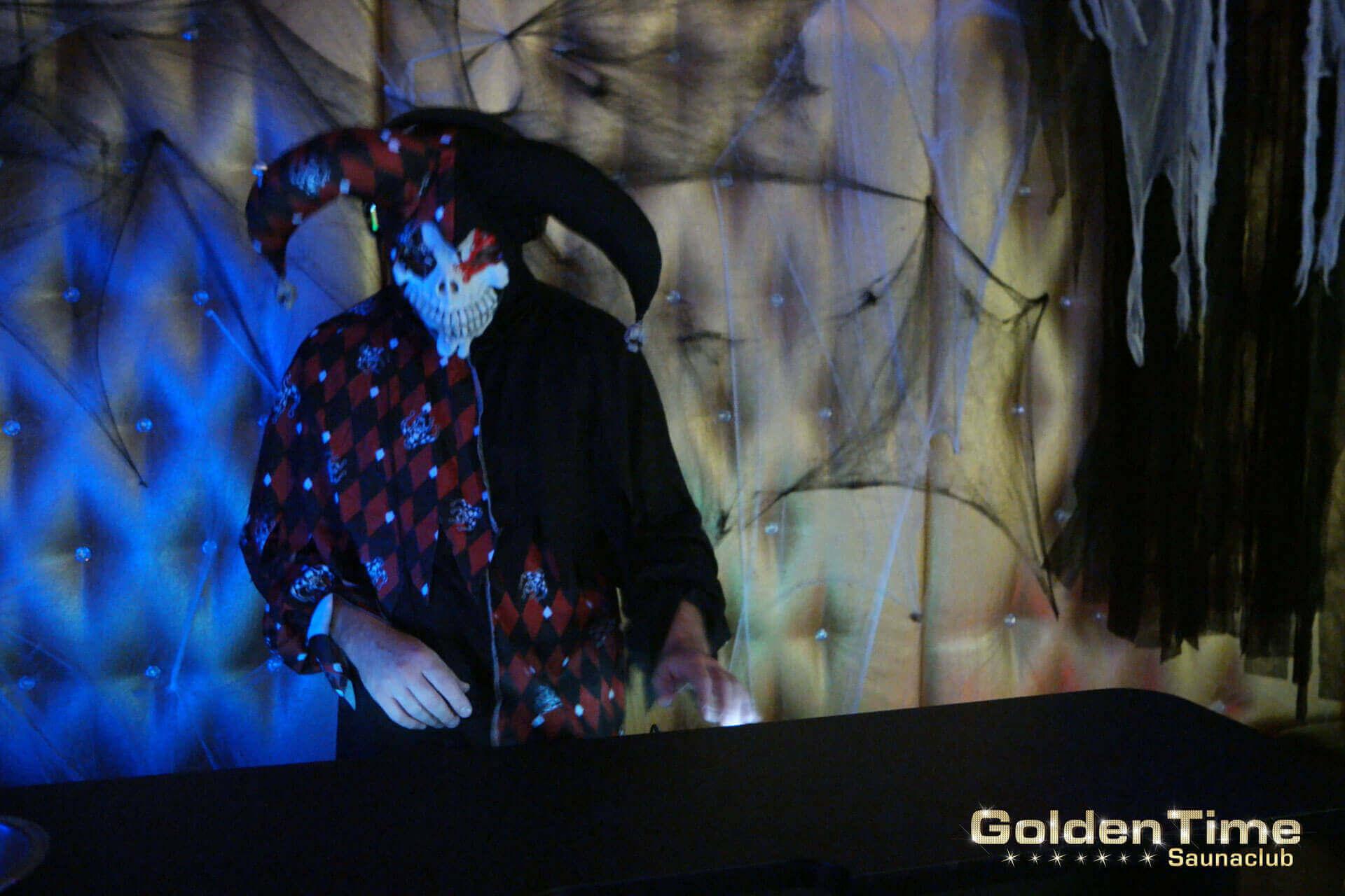 03-halloween-2016-goldentime-saunaclub-30.jpg